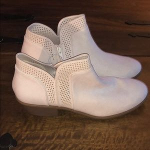 NWT Old Navy Winter White Booties